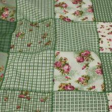 Bavlna zelený patchwork, drobný kvet š.140