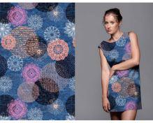 Úplet modrý, čipkované ružové a marhuľová kvety, š.175