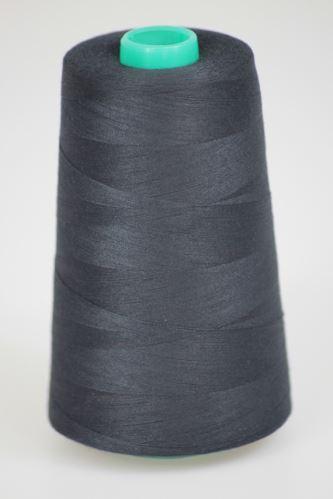 Niť KORALLI polyesterová 120, 5000Y, odtieň 5695, čierna-modrá