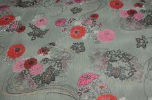 Šifón sivý, červený kvet, š.145