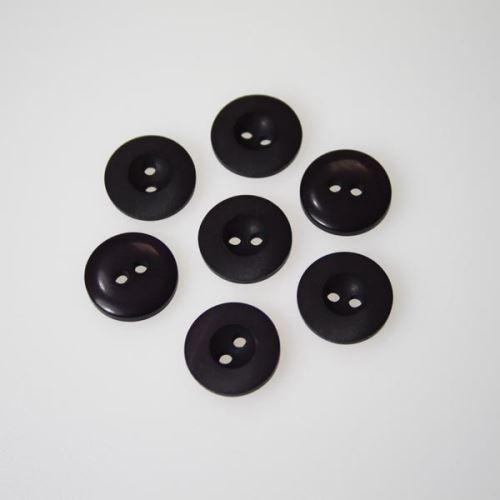 Gombík fialový K24-10, priemer 15 mm.